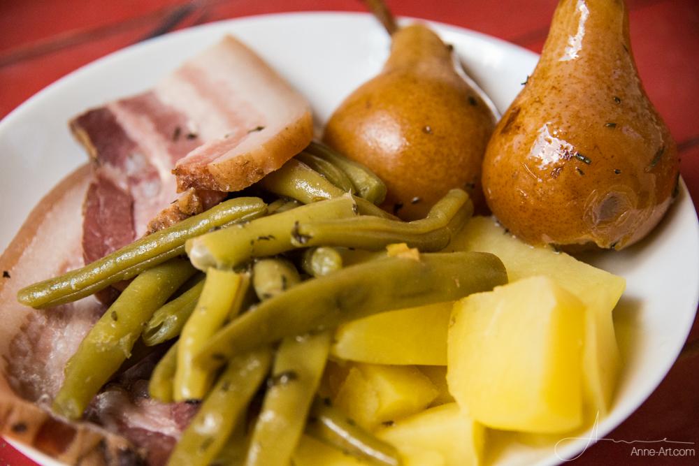 Birnen, Bohnen und Speck mit Kartoffeln
